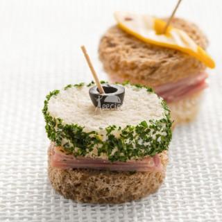 تی ساندویچ ژامبون و جعفری (10 عددی)